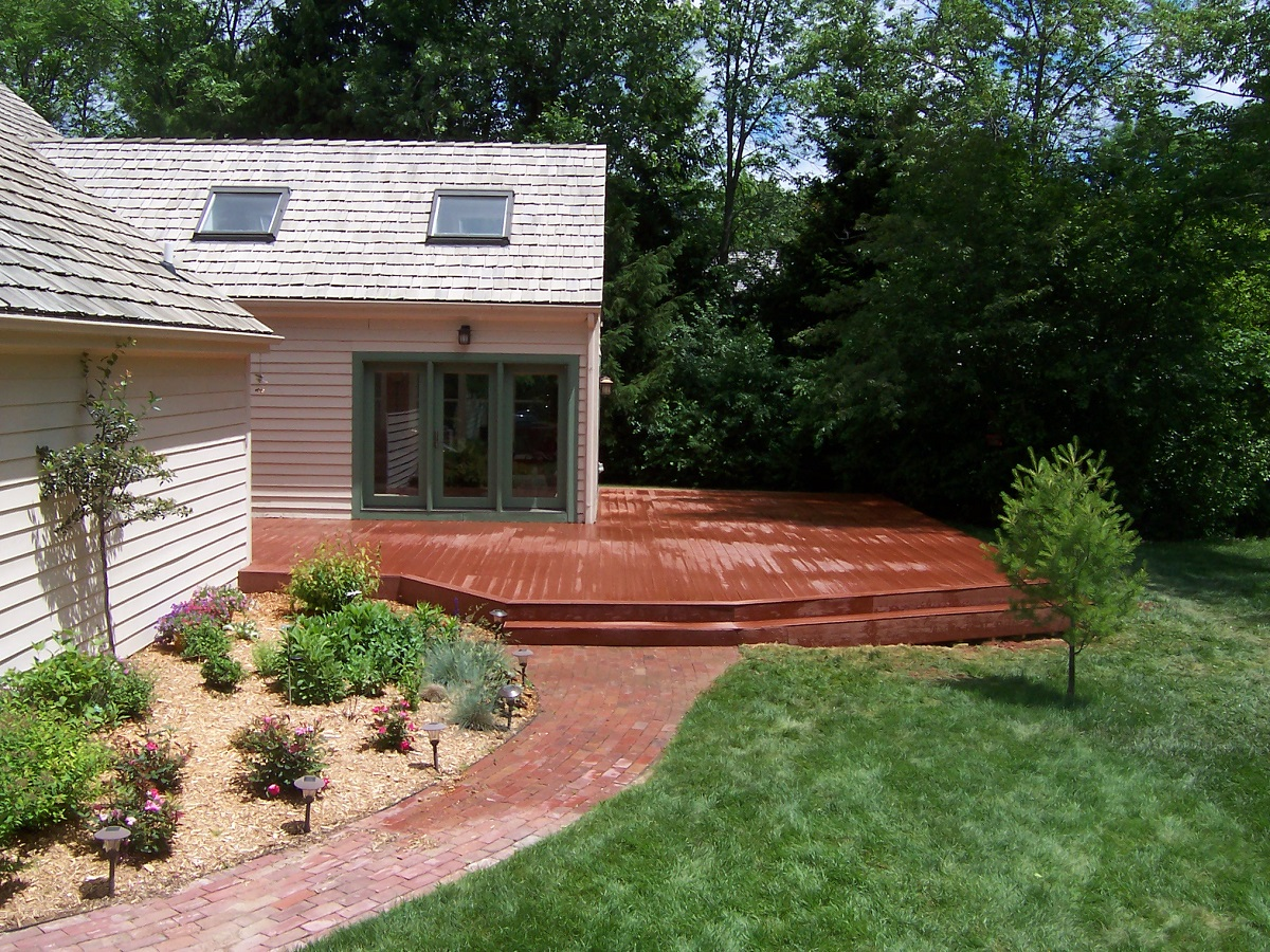 Milwaukee area deck builder