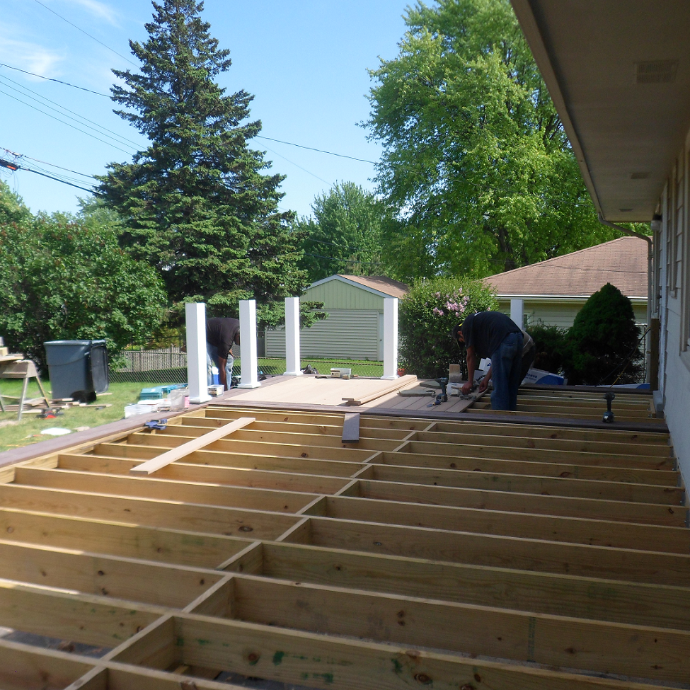 Tbg deck builders se wi deck builders in milwaukee wi area for House builder