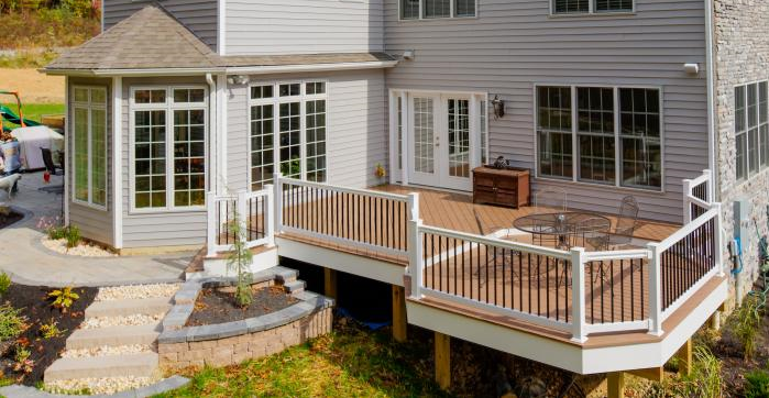 best deck builders in Milwaukee